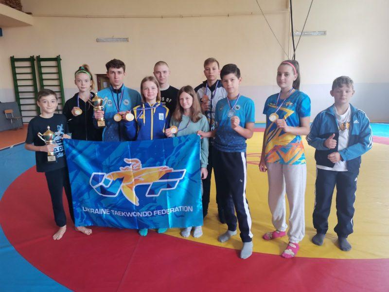 Юные николаевские тхеквондисты завоевали 5 медалей на международных соревнованиях (ФОТО)
