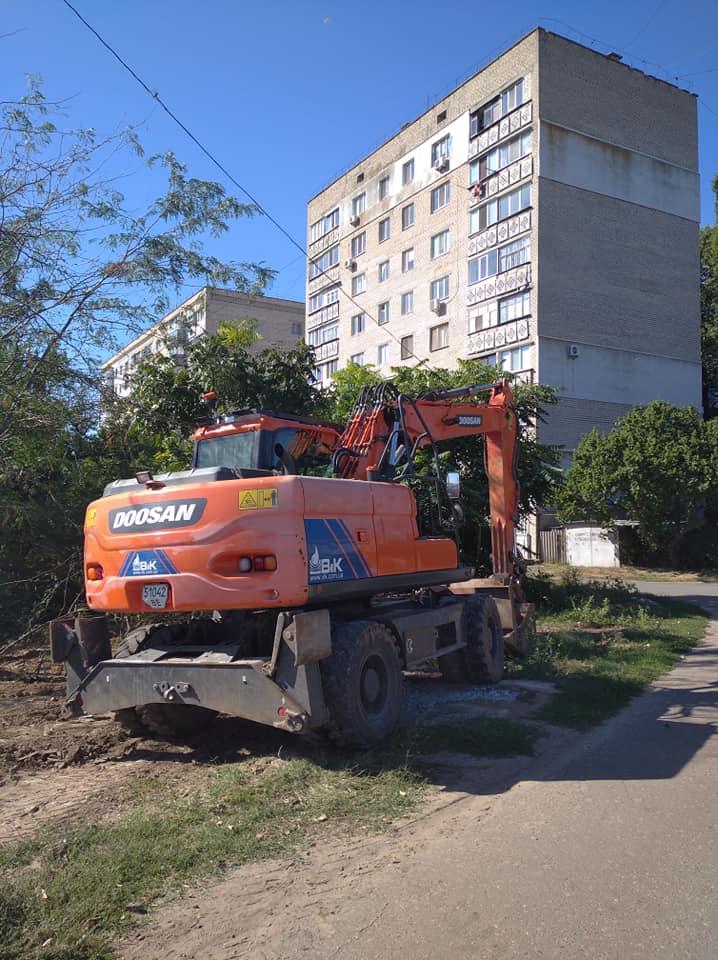 Планируют завершить в декабре: в Николаеве приступили к замене аварийного канализационного коллектора на Флотской (ФОТО) 3