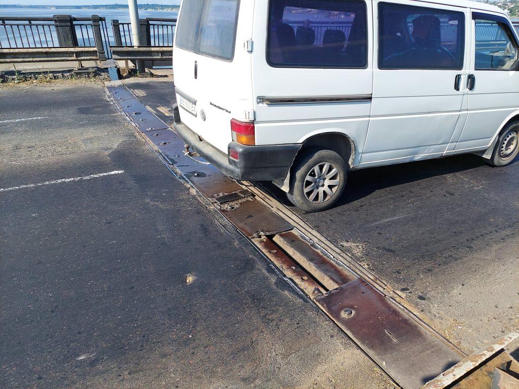 В Николаеве экстренно ремонтировали деформационный шов разводной части Варваровского моста (ФОТО) 3