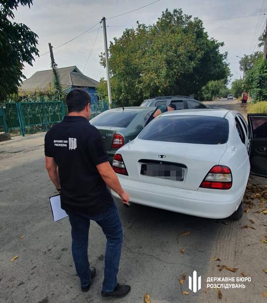 На Николаевщине разоблаченного на взятке инспектора ГСЧС сотрудники ГБР задержали только после погони (ФОТО) 3