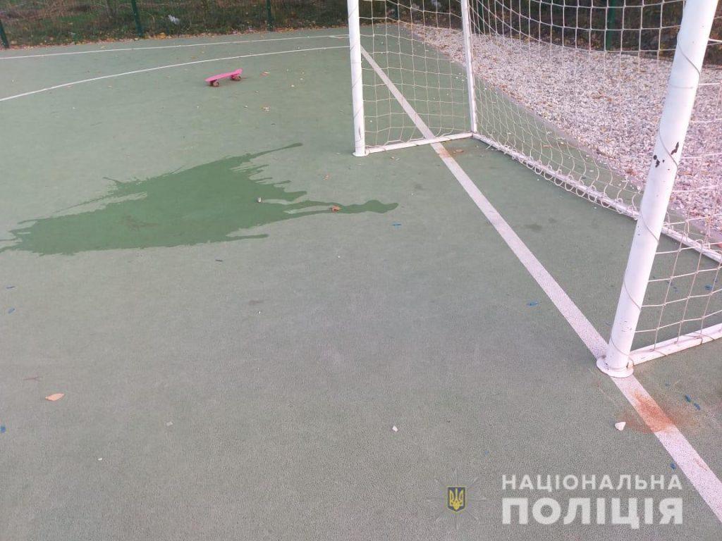Ребенка придавило футбольными воротами в Харькове. Малыш в реанимации 3