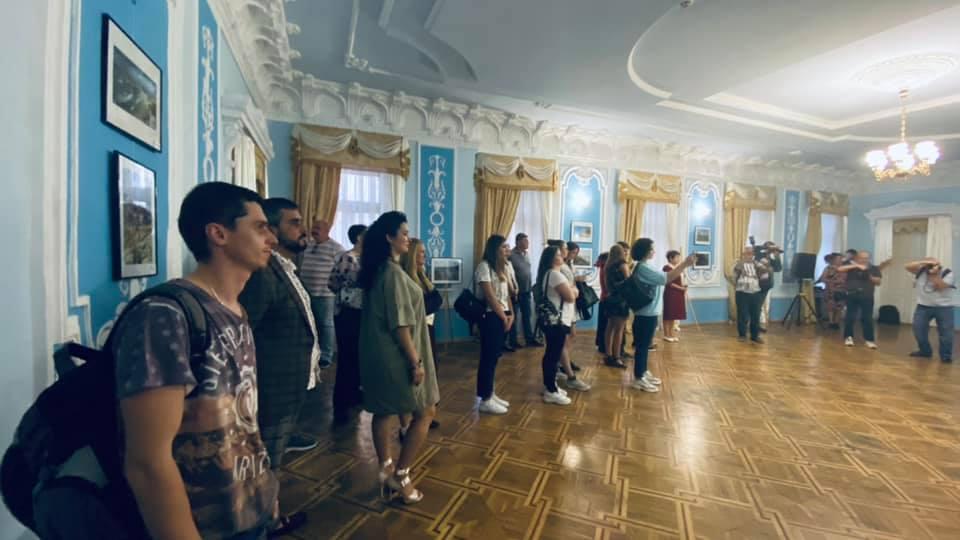 Открылась фотовыставка, посвященная 84-летию со дня основания Николаевской области (ФОТО) 3