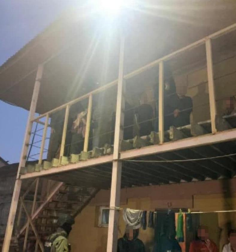 Подбирали на вокзалах. Полиция освободила 120 рабов - их использовала агрофирма (ФОТО, ВИДЕО) 5