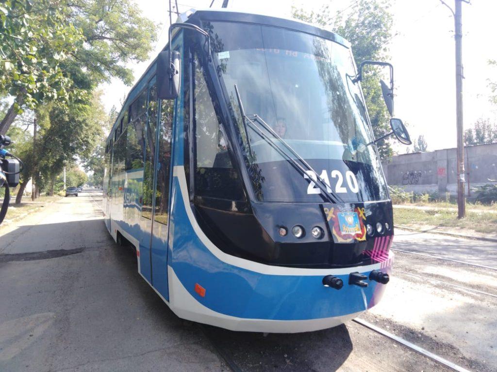 В День города Николаева на маршрут вышел обновленный трамвай (ФОТО, ВИДЕО) 1