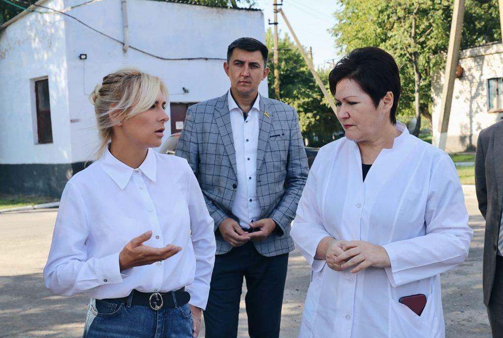 Добудова хоспісу, шкільні їдальні та системи очистки води - Ганна Замазєєва відвідала Баштанський район (ФОТО) 1
