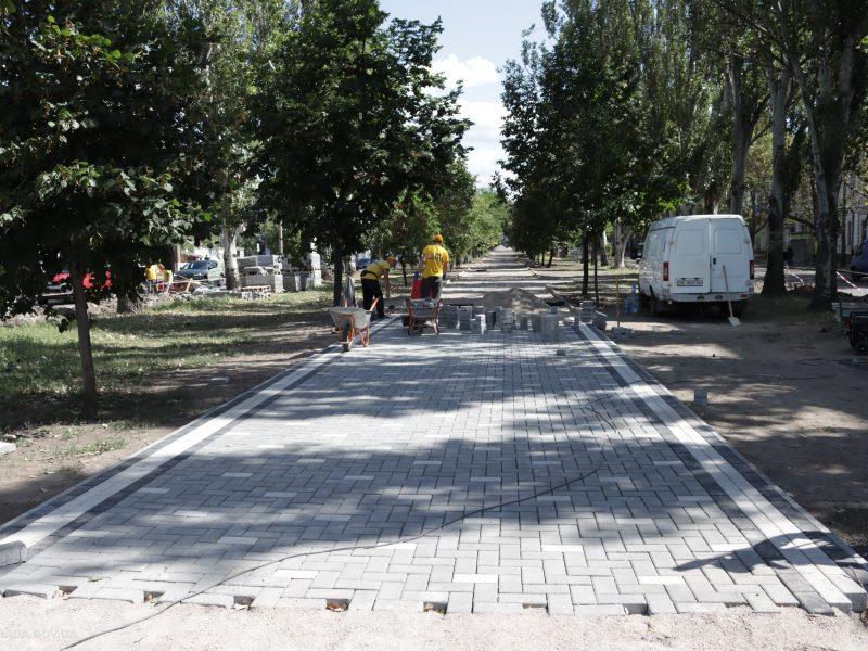 Ко Дню города Николаева с ремонтом бульварной части пр.Центрального у «Дормашины» не успеют (ФОТО)
