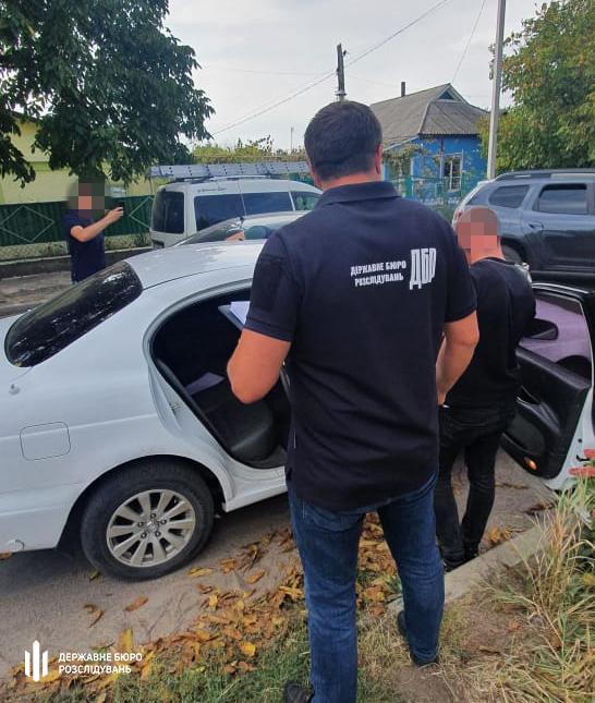 На Николаевщине разоблаченного на взятке инспектора ГСЧС сотрудники ГБР задержали только после погони (ФОТО) 5