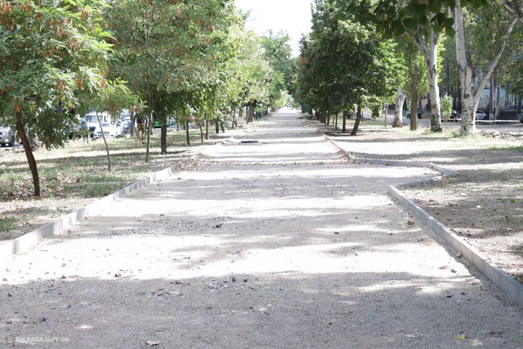 Ко Дню города Николаева с ремонтом бульварной части пр.Центрального у «Дормашины» не успеют (ФОТО) 9