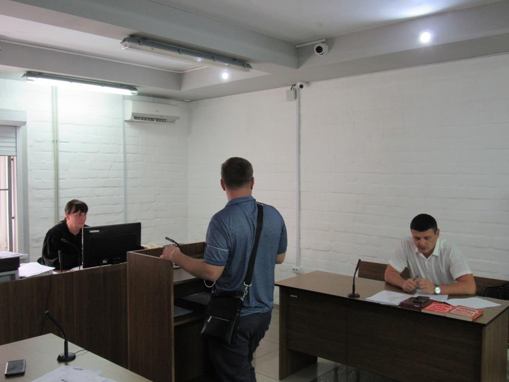В Николаеве суд рассматривает ходатайство об ужесточении меры пресечения Калашникову: он заявил, что его авто угнали вместе с ним внутри, и совершили смертельное ДТП (ФОТО) 7