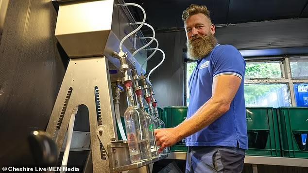 Не знаешь, где найдешь: британец купил деревенский паб, а теперь продает чистейшую воду (ФОТО) 5
