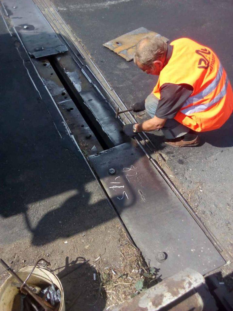 В Николаеве экстренно ремонтировали деформационный шов разводной части Варваровского моста (ФОТО) 9