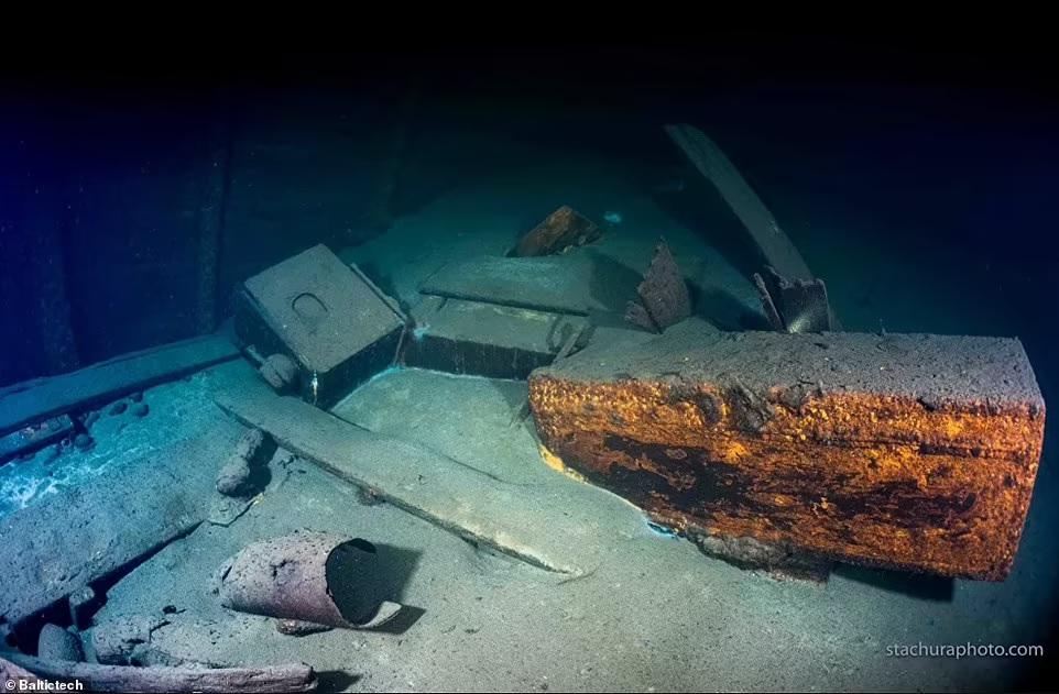 След Янтарной комнаты? Польские дайверы начинают исследование затонувшего в 1945 году немецкого корабля «Карлсруэ» (ФОТО) 9