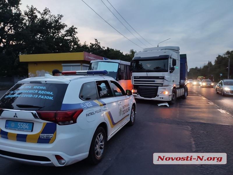 В Николаеве пассажиры маршрутки избили водителя тягача DAF (ФОТО) 1
