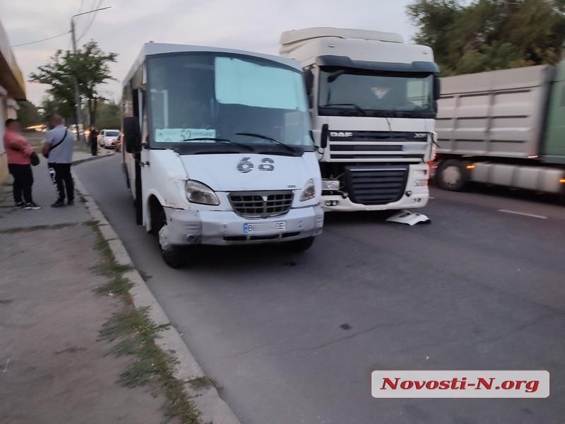 В Николаеве пассажиры маршрутки избили водителя тягача DAF (ФОТО) 3