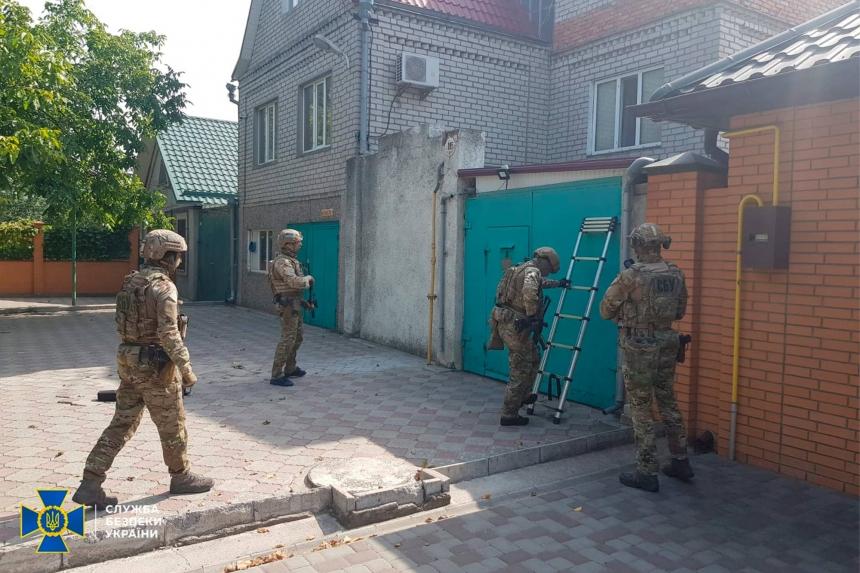 В Николаеве СБУ задержала скандально известного Казимирова: вместе с отцом выбивал несуществующий долг 17