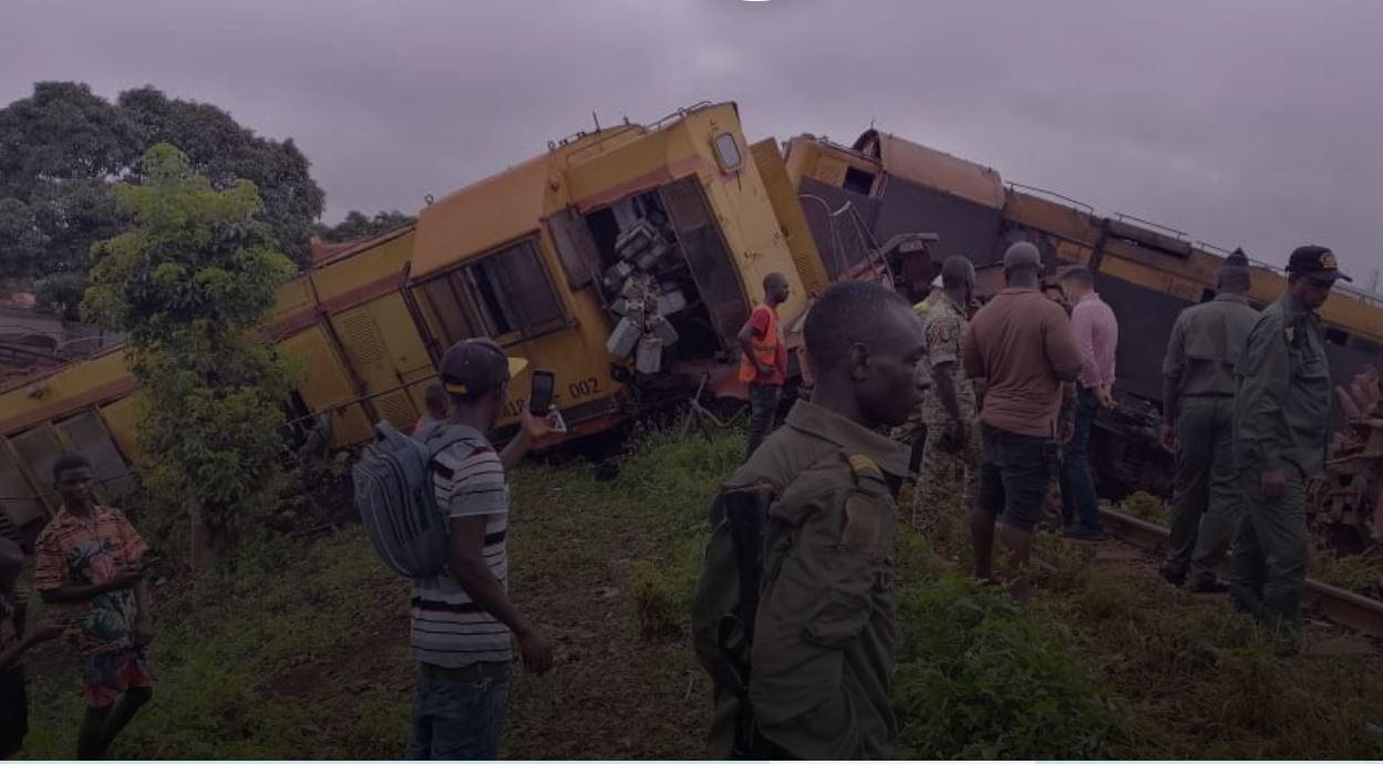 В Гвинее столкнулись поезда РУСАЛа с бокситами (ВИДЕО) 3