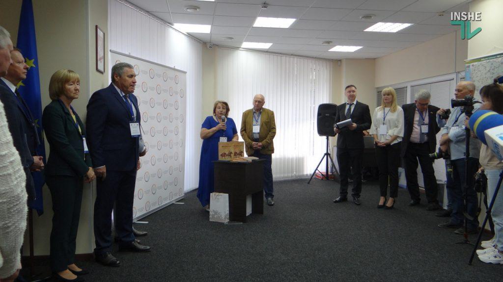 В Николаеве презентовали книгу «Витовщина. Пiщинка на одвiчному Шовковому шляху» (ФОТО и ВИДЕО) 7