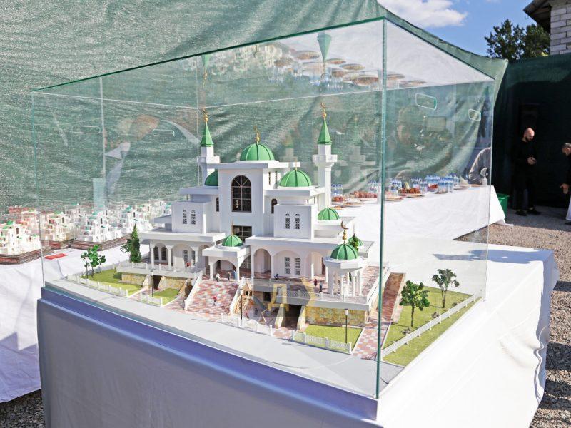 В Одессе заложили самую большую в Украине мечеть и «послали» афганских беженцев (ФОТО)