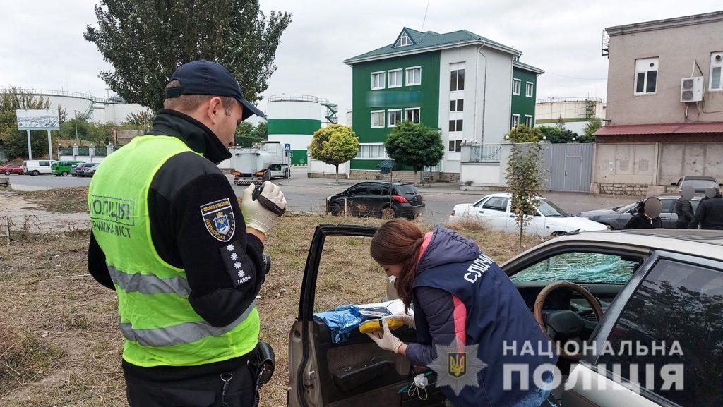 В Николаеве аферисты выманили у старушки все, что у нее было, - $1,9 тыс. Их задержали (ФОТО, ВИДЕО) 3