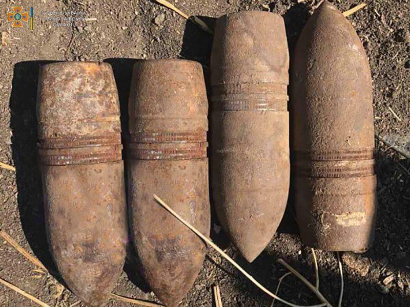Жительница села на Николаевщине затеяла уборку в сарае и нашла снаряды