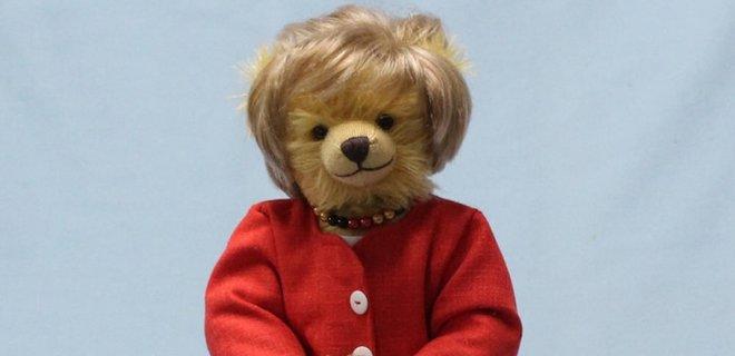 К отставке канцлера в Германии выпустили плюшевого медведя «Меркель» (ФОТО)