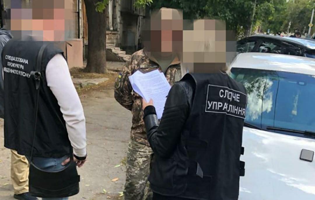 На Николаевщине начальник склада ракетно-артиллерийского вооружения систематически воровал и продавал патроны, гранаты и гранатометы. Он задержан (ФОТО) 1