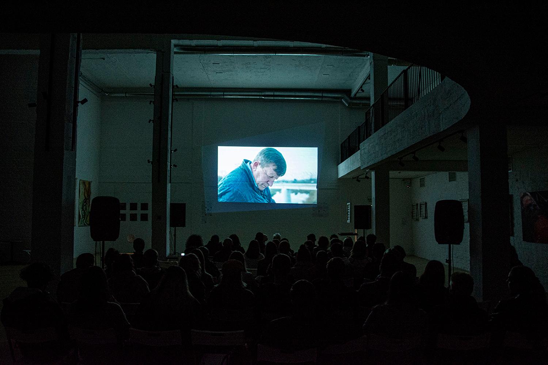 «Фильмы, рассказанные самими украинцами»: николаевцы на три дня окунулись в бурную атмосферу 90-х (ФОТО) 17