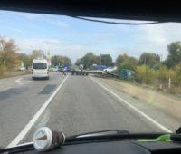 ДТП на трассе Николаев-Одесса с участием кроссовера и тягача — проезд затруднен (ВИДЕО)