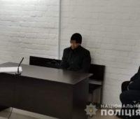 В Николаеве начался суд над таксистом, застрелившем свою любовницу. До убийства он еще и АЗС успел ограбить