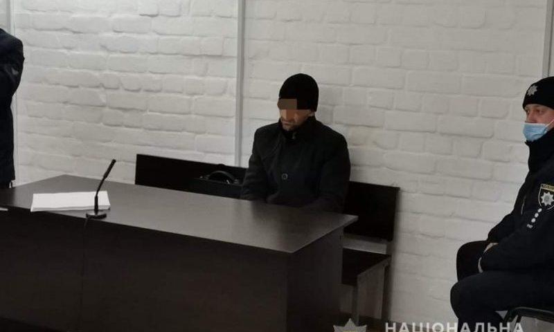 В Николаеве начался суд над таксистом, застрелившем свою любовницу. До убийства он еще и АЗС успел ограбить 1