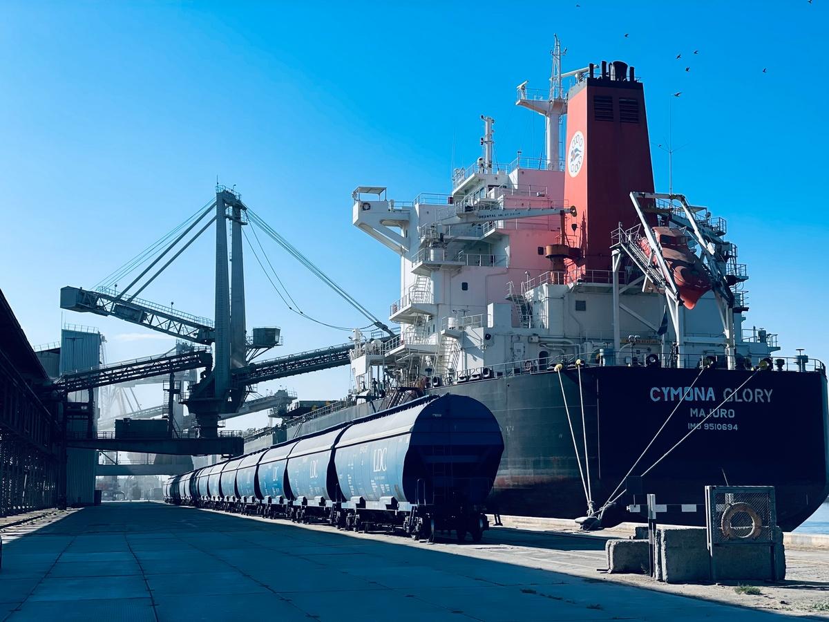 Николаевский порт «Ника-Тера» принял сухогруз рекордной длины (ФОТО) 5