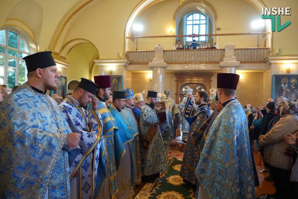 Предстоятель Украинской Православной Церкви Епифаний возглавил Божественную литургию в николаевском храме (ФОТО, ВИДЕО) 21