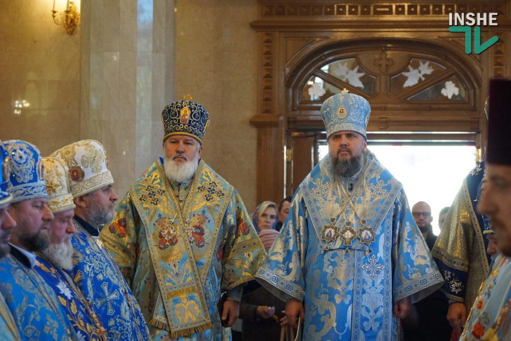 Предстоятель Украинской Православной Церкви Епифаний возглавил Божественную литургию в николаевском храме (ФОТО, ВИДЕО) 23