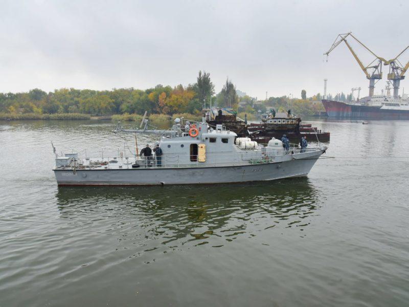 Арткатер «Скадовск» зашел на доковый ремонт на Николаевский судостроительный завод (ФОТО)