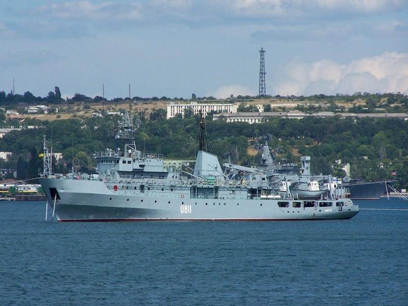 В Черном море терпит бедствие украинский военный корабль. Его ремонтировали в Николаеве