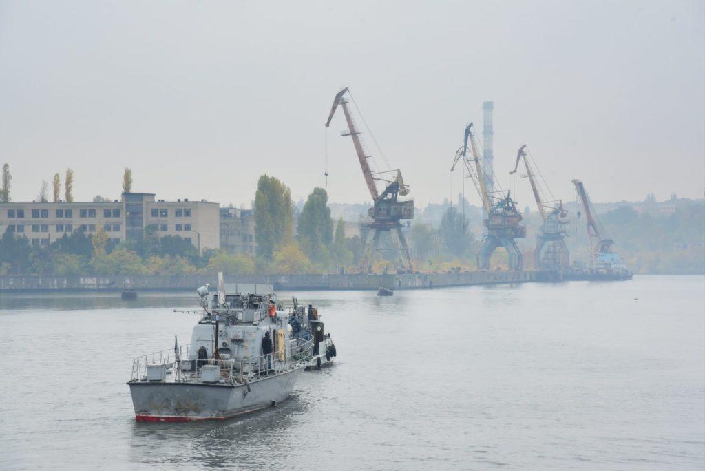 Арткатер «Скадовск» зашел на доковый ремонт на Николаевский судостроительный завод (ФОТО) 7