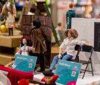 Кукольная Украина. Художники представили игрушечные копии известных украинцев (ФОТО)
