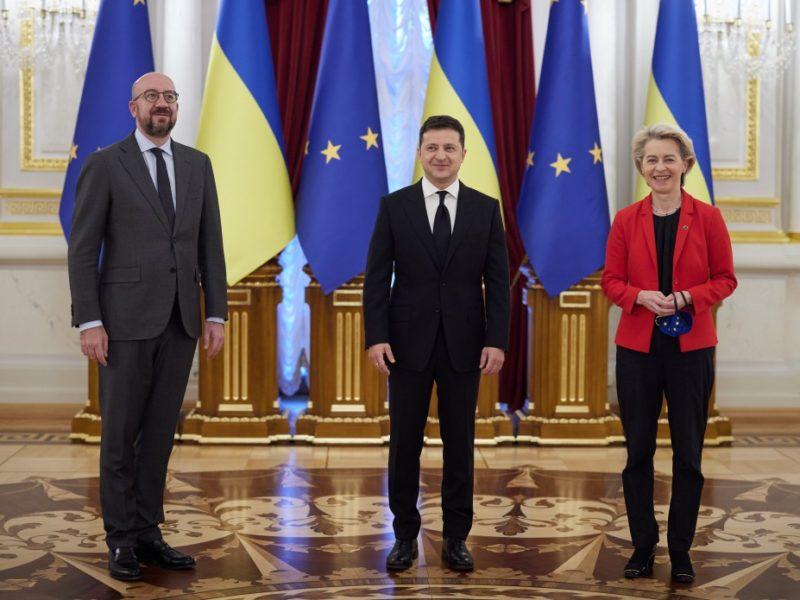 Украина вообще не должна импортировать газ, — считает президент ЕК. На энергоэффективность нужно 300 млрд.грн., — говорит Зеленский