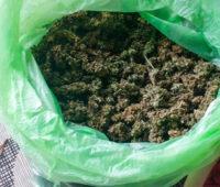 У двух жителей Вознесенска полицейские Николаевщины изъяли около 20 кг подготовленной к употреблению конопли (ФОТО, ВИДЕО)