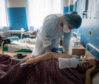 За сутки в Украине от COVID-19 умерло 692 человека и заболело свыше 22,5 тысяч